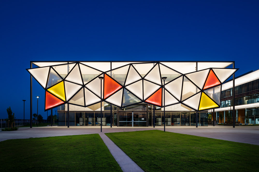 Library Facade using ETFE Pillows
